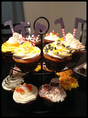 H cupcakes